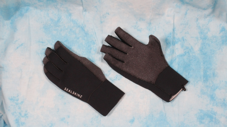 Wind, Rain and Cold: SealSkinz Neoprene Gloves