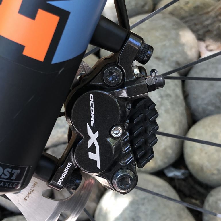 Stopping on Dirt: Deore XT 4-Piston Brake